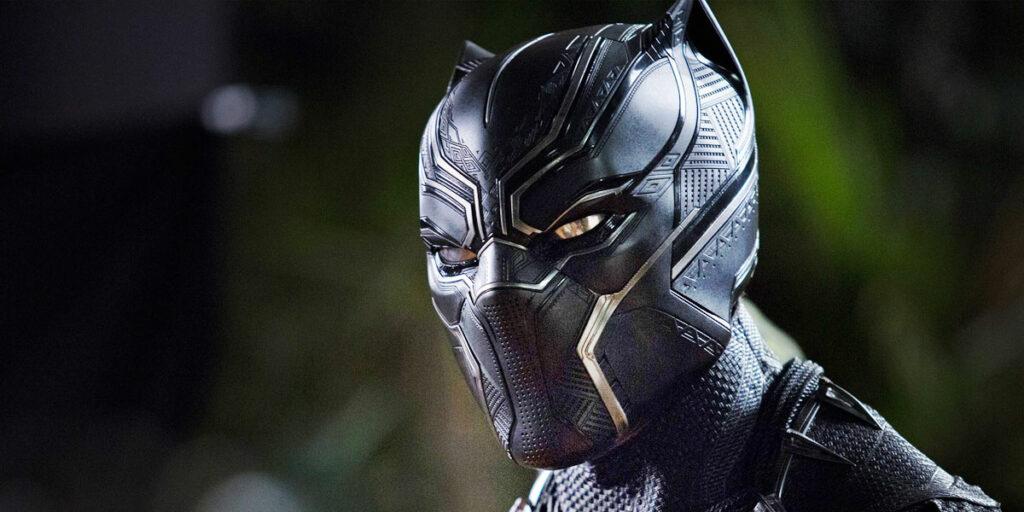 Black Panther 2 e l'omaggio all'attore Chadwick Boseman, morto 1 anno fa a causa di un tumore al colon.